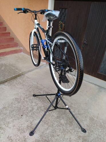 Sport i hobi - Valjevo: Stalak za servisiranje popravku bicikalaCrivit stalak za popravku