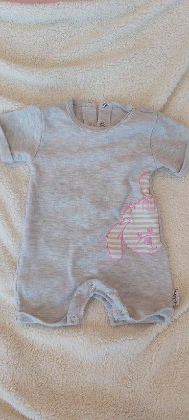 Dečija odeća i obuća - Zabalj: Velicina62 Cena 400