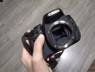 hdmi kabel в Кыргызстан: Фотоаппарат Canon EOS 600DВ комплекте :Объективы : - Canon EFS