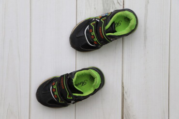 Детские кроссовки Leopold, р. 22    Довжина підошви: 14 см  Стан гарни
