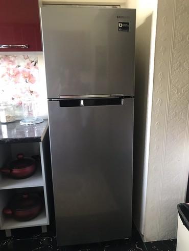 Б/у Двухкамерный Серый холодильник Samsung в Душанбе