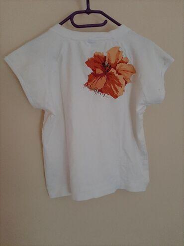 Majica sa cvetom. Vel S