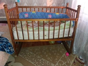 Продаю детскую кроватку состояние в Бишкек