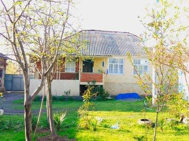 Zaqatala şəhərində Zaqatala rayon muxax kendinde temirli heyet evi satilir. Evin her cür