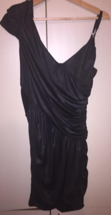 Haljina, prelepa i bas neobicna, crne boje, iznad kolena, prelepo - Zajecar