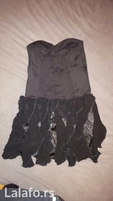 ..moderna haljina, M velicina, rastegljiva, crna je,tamnije nego na - Loznica