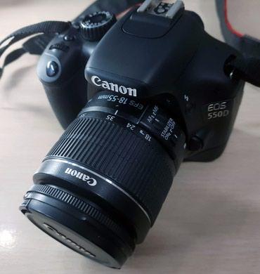 Зеркальный фотоаппарат Canon 550D (сумка, зарядка) в Бишкек