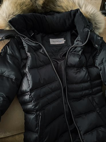 Calvin Klein crna zenska jakna nova