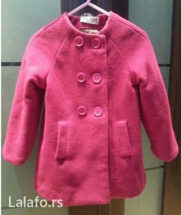 Zara prelep kaput. Pise 18-24 mes, ali veci model. Pre 2,5 godine. Kod - Beograd