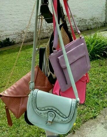 Razne torbe od 600-900 din