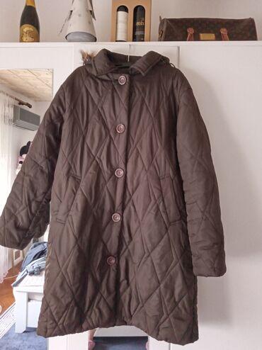 Zenska kapa - Srbija: Zenska lagana jakna sa kapuljacom koja moze da se skida,velicina XL