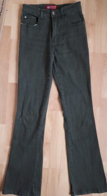 Pantalone zelene broj - Srbija: Zelene dzins pantalone br. S u odlicnom stanju, neostecene