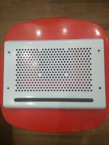 подставки для компьютера в Кыргызстан: Продаю подставку под ноутбук с охлаждением в упаковке