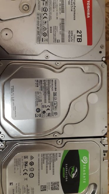 Компьютеры, ноутбуки и планшеты в Бишкек: Продаю жесткие диски toshiba 2000gb 7200rpm sataiii/sata seagate