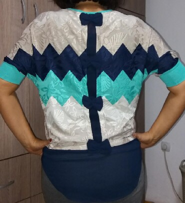Elegantna bluza xl - Srbija: Elegantna bluza, veoma efektna, polovna ali bez ostecenja. Vrlo lepo