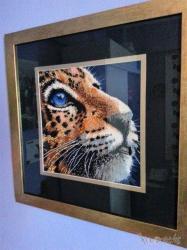 The Tiger Κέντημα υφασμάτινο από χιλιάδες πολύχρωμες λεπτές χάνδρες σε