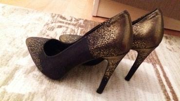 Продаю туфли размер 37.37.5 почти новые! ( одевали 1раз) Срочно в Бишкек