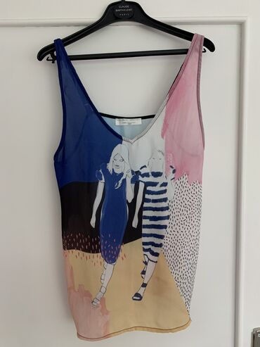 Majica je Zarina, u S veličini, lagana, prijatna i odlična za leto na