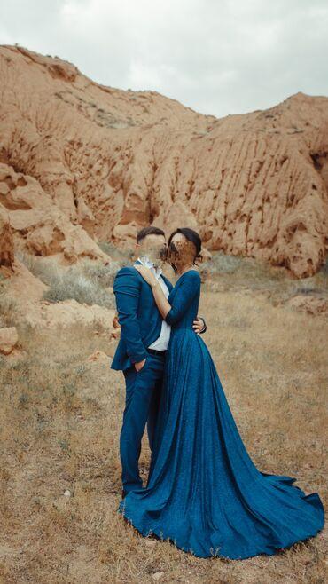 платья вечерние in Кыргызстан | МАТЕРИНСКИЕ ПЛАТЫ: Продаю вечернее платье с небольшим шлейфом, цвет синий с россыпью мелк