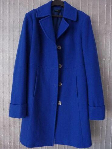 Синее пальто BENETTON, шерсть 60%, 30% полиэстер, 10% вискоза. Одевала