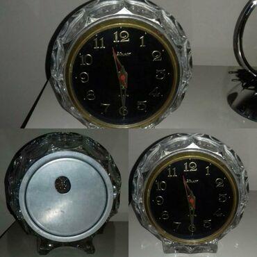 Əntiq saatlar - Azərbaycan: 1980ci illərin qədimi saatı tam işləkdir. 200 azn satılır. Ünvan