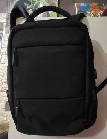 Рюкзак 2 больших отделения,и 3 маленькихДля ноутбука идеально