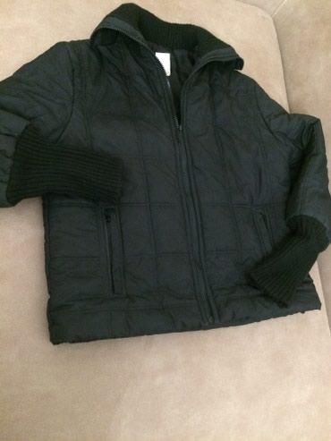 Теплая зимная курточка. Женская на 46р бу. 1800с т