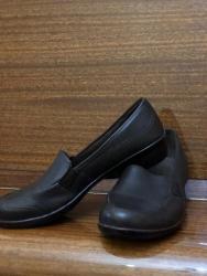 туфли черные 35 размера в Кыргызстан: Продаю детские туфли для девочекНатуральная кожа;Размер: 35;Бренд