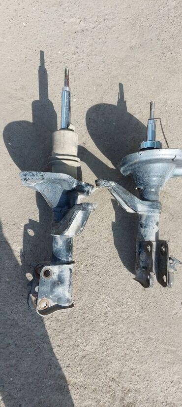 Амортизатор Хонда срв 2 и 3кузов