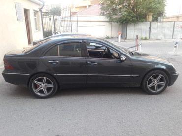 Bakı şəhərində Mercedes-Benz 220 2001