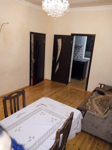 Bakı şəhərində Xirdalanda merkezde ev satilir