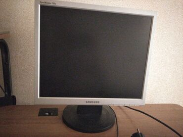 Продам монитор Samsung sync master Тип: квадрат 720 в хорошем