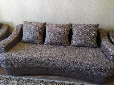 раскладной диван с двумя креслами в Кыргызстан: Польский диван с двумя креслом . Раскладывается 2 метра (чистый) внизу