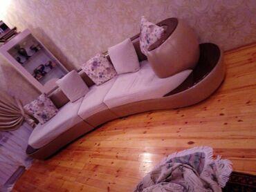 Дом и сад в Ширван: Endirim edildi divan 550 manata satilir 3000mine almisam 4ilin divanid