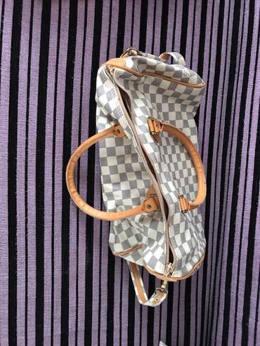 женские кроссовки puma ferrari в Азербайджан: Продается женская сумка