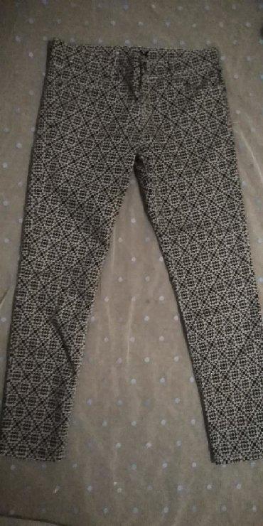 Bele siroke pantalone - Srbija: Crno-bele pantalone sa interesantnom sarom br. 36