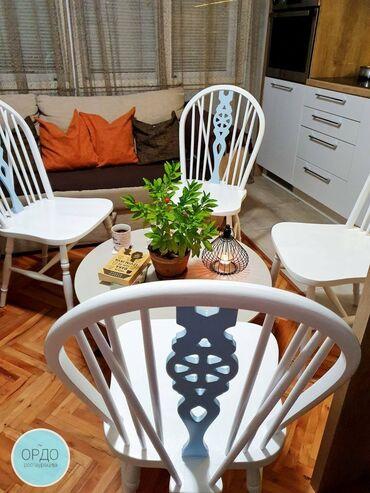 Boja bele kafe - Srbija: Prodajem restaurirane 4 drvene stolice. Set je bele boje sa pastelno