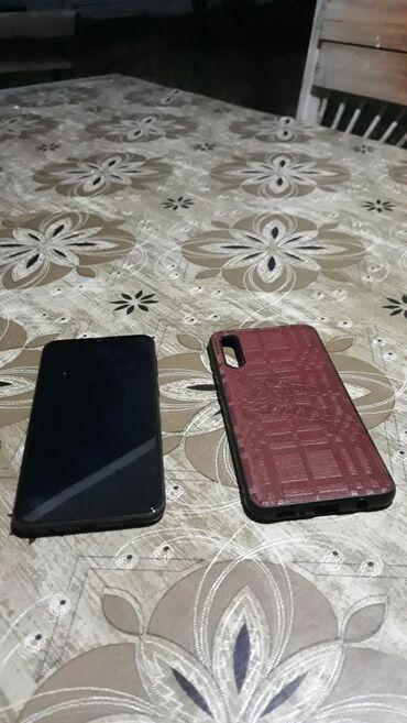 Электроника в Огуз: Б/у Samsung A20 32 ГБ Черный