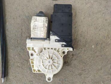 Моторчик от стеклоподъёмника Гольф 4. Можно всё в комплекте