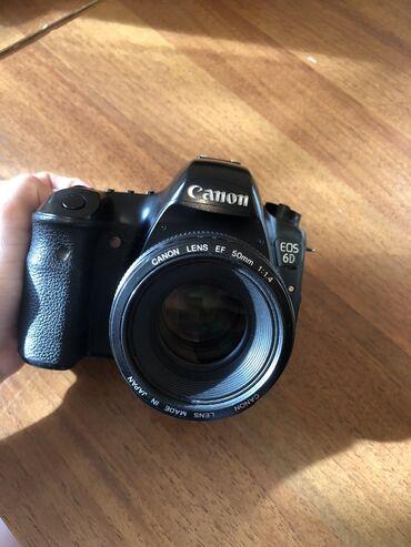 сони фотоаппарат в Кыргызстан: Продаю фотоаппарат Canon 6D. Состояние отличное. В комплекте вспышка