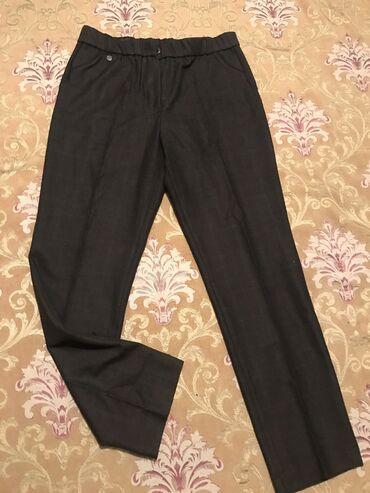 Женские брюки отличного качества 50- 52 размера. Отлично сидят. Высока