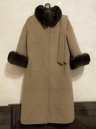 пальто loreta турция в Кыргызстан: Продаётся кашемировое пальто,мех натуралка песец,размер S-M. Турция. С