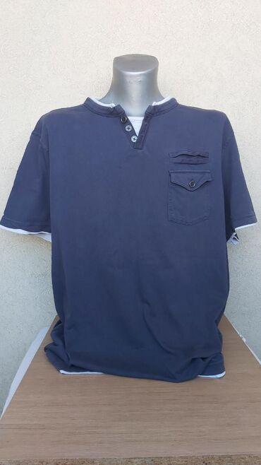 Pantalone bpc - Srbija: BPC muska pamucna majicaDuzina 79cmGrudi 65cmRamena 52cmRukavi 23,5cm
