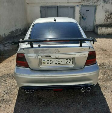 Opel Azərbaycanda: Opel Vectra 1.8 l. 2000