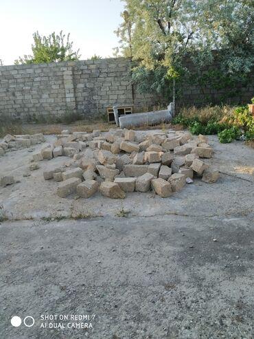 - Azərbaycan: Satılır Ev 50 kv. m, 2 otaqlı