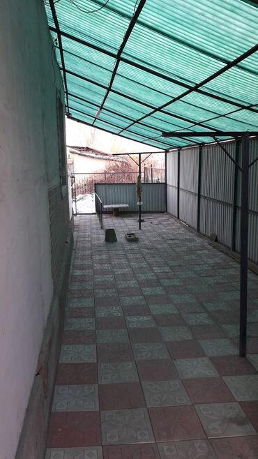 кирпичный завод каракол в Кыргызстан: Продам Дом 50 кв. м, 3 комнаты