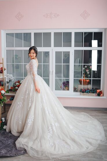свадебные украшения в Кыргызстан: Прокат, продажа свадебных и вечерних нарядов. Акция!!! Прическа и