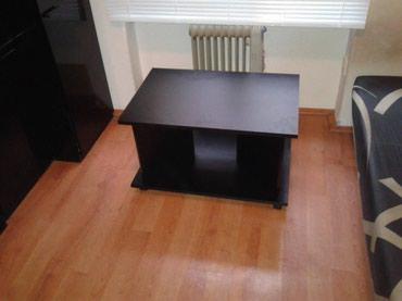 -klub sto se izradjuje od univera debljine 18 mm u crnom dekoru - Belgrade