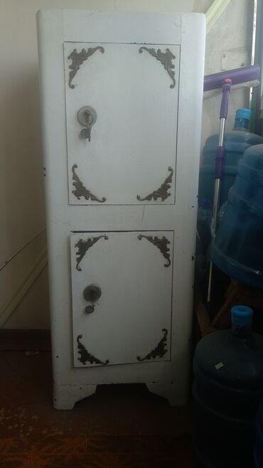 Сейфы - Кыргызстан: Продаю обычный советский канцелярский сейф двух секционный.  Высота-13