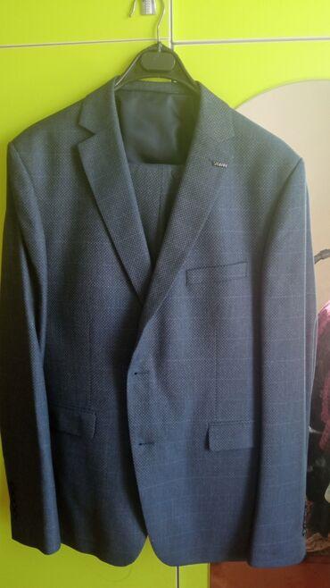 Личные вещи - Чон-Далы: Хороший костюм 48-50 размер. Одевал на один той,брали за 4500. Отдам
